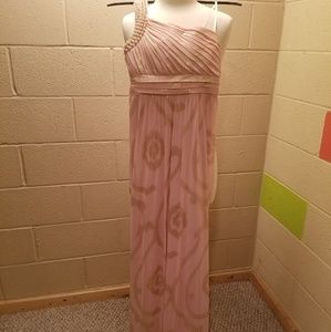 Beautiful prom/formal gown!